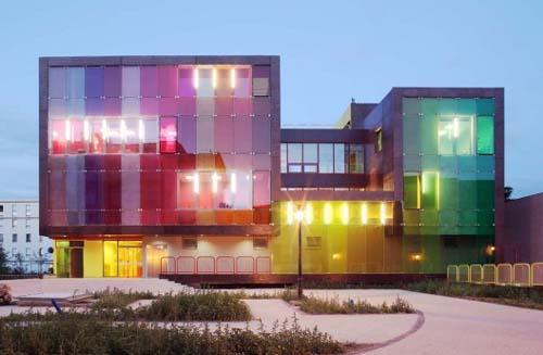 Splash of colour architecture arhitektura for Architecture francaise
