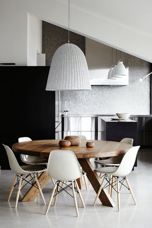 round table dining_interiors_arhitektura+