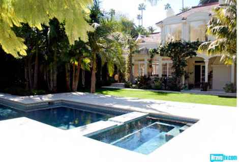 Rachel-Zoes-new-house-pool