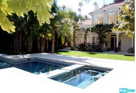Rachel-Zoes-new-house-pool