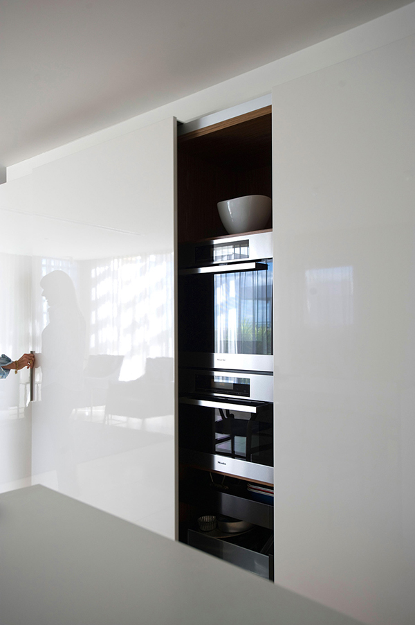 Small Apartment in Sydney #interiors #apartment #decor #arhitektura+ (8)